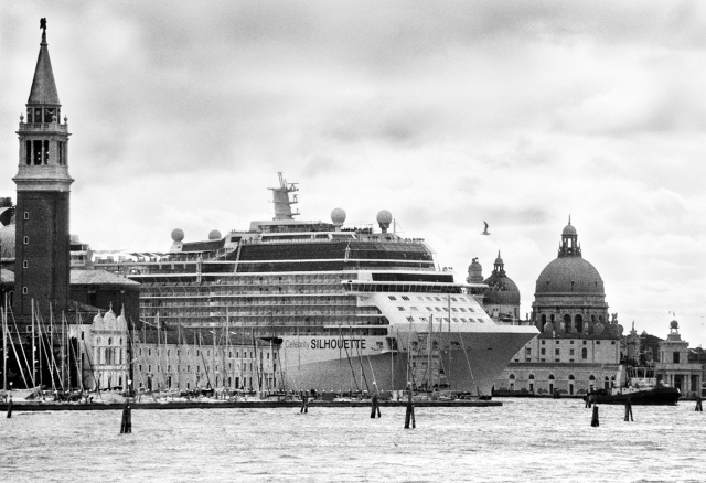 Venice, April 2013 - Big cruise liners invade the city - Celebrity Silhouette Solstice-class cruise ship passing by the old town ><  Venezia, aprile 2013 - Le grandi navi da crociera invadono la città - La nave da crociera Celebrity Silhouette passa davanti al centro storico